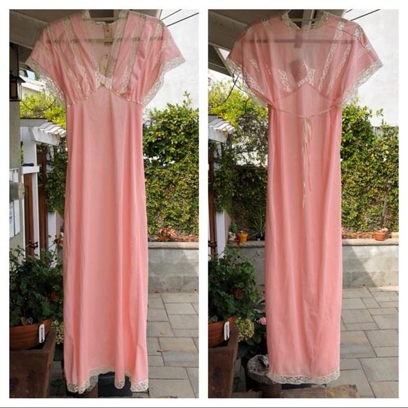 Vintage Other - Vintage 1950s negligee dress